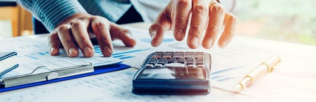 imagem de uma calculadora para ilustrar matéria sobre Simples Nacional